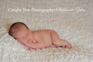 copy right 2015 caught fire photography, stephanie zahn, newborn photographer, simple newborn photography, newborn pose